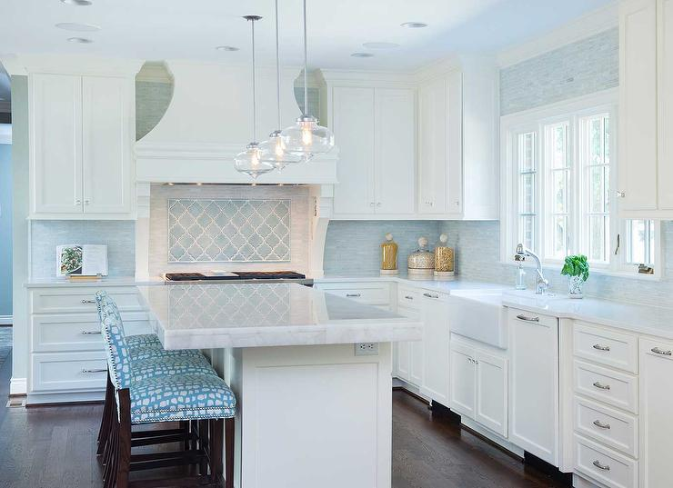 turquoise-blue-arabesque-tile-cooktop-backsplash-blue-mosaic-kitchen-tiles