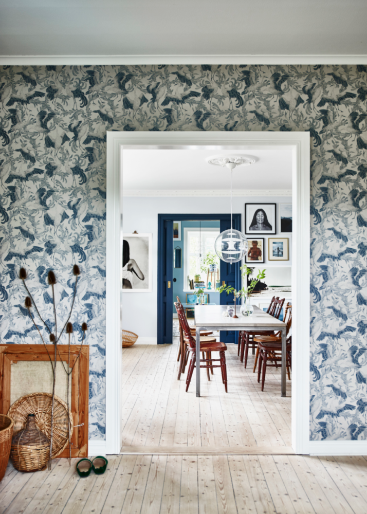 tour-this-home-with-layers-of-blue-and-gorgeous-wallpaper-coco-kelley-714x1000